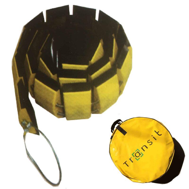 Portabelt farthinder ihoprullat tillsammans med väska.
