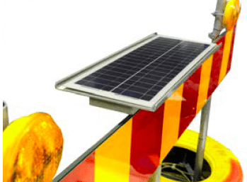 Solcellspanelen monteras på toppen av röret i mitten.